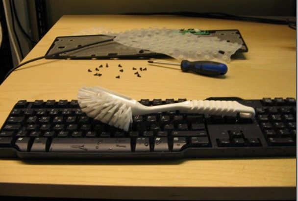 How to Clean and Sanitize Keyboard