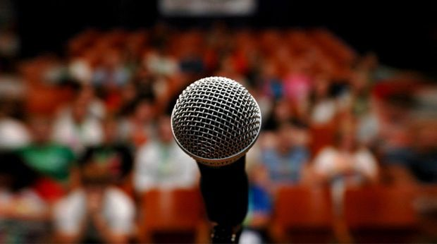 PublicSpeaking Communicate confidence 10 Things All Great Public Speakers Have In Common